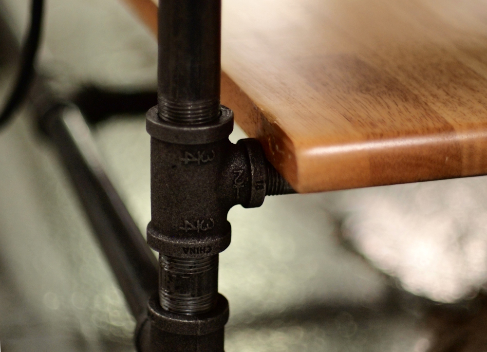 Working Work Table (detail of shelf)